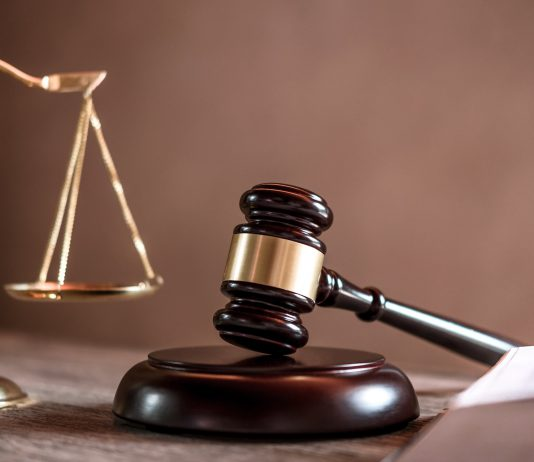 מתגרשים? מה עדיף - בית משפט לענייני משפחה או בית דין רבני?